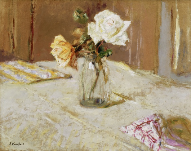 Edouard_Vuillard_-_Roses_in_a_Glass_Vase_-_Google_Art_Project