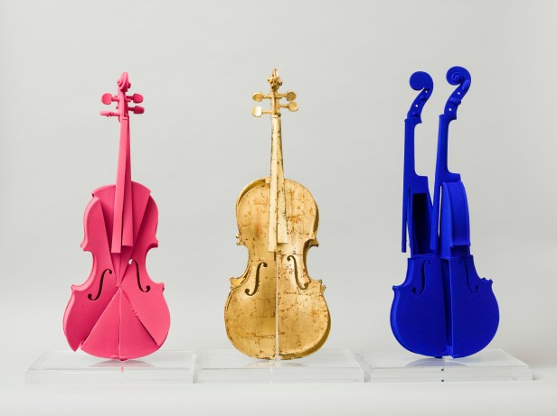 arman-hommage-a-yves-klein-violons-x3